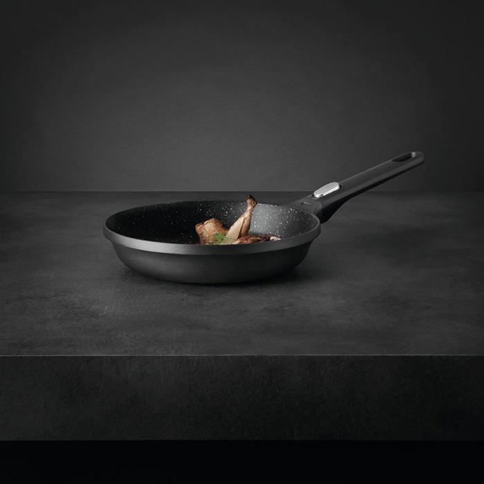 Сковорода с антипригарным покрытием Berghoff GEM, диам. 24 см, 1,7 л