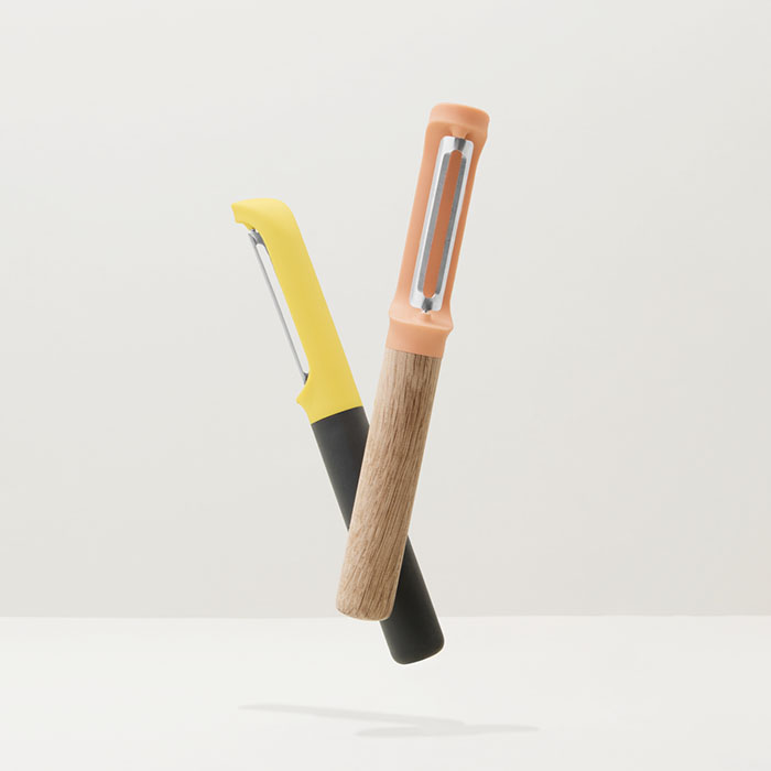 Овощечистка Berghoff LEO с вертикальным лезвием, пластиковая ручка