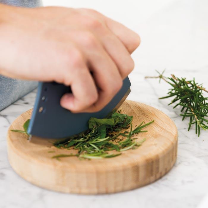 Нож-лезвие  Berghoff LEO для снятия листьев со стебля с доской, диам. 16,5 см